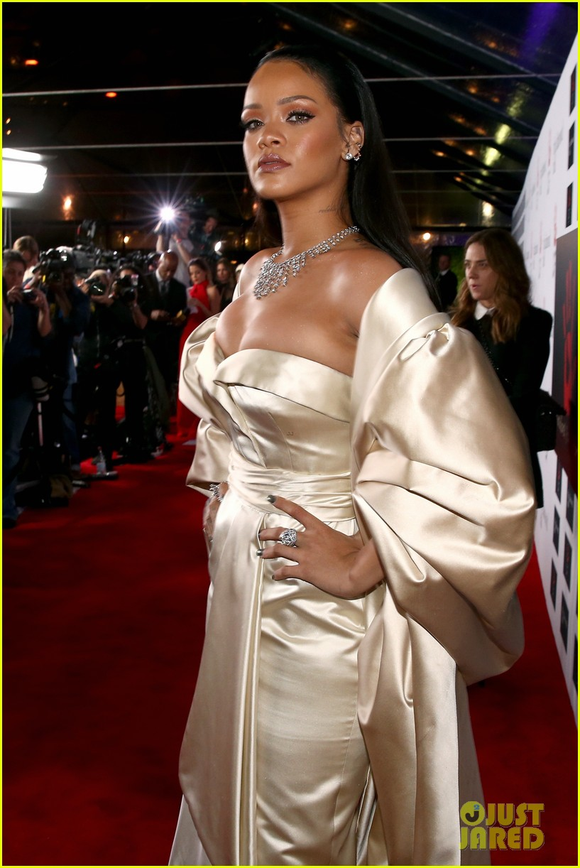 rihanna diamond ball 2015 143527760