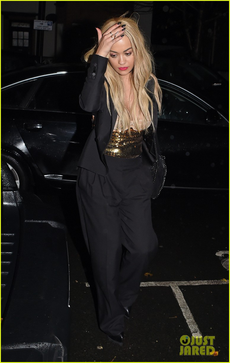 rita ora nearly suffers nip slip in london 073520353
