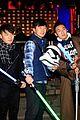 john boyega daisy ridley star wars premiere shanghai 14