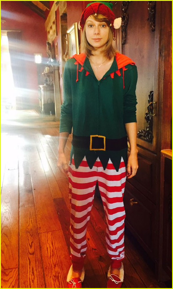 Christmas Eve Dresses.Taylor Swift Dresses As An Elf In Cute Christmas Eve Photo
