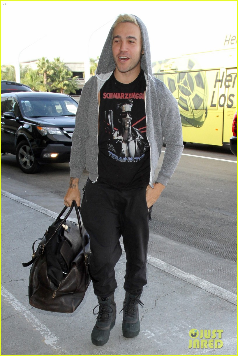 pete wentz steps out after his son saint gets a name twin 043524812