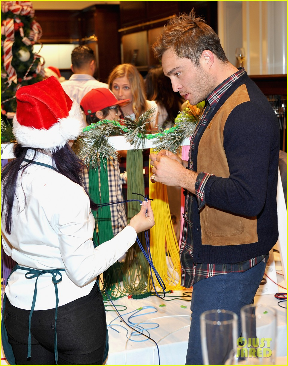 Camilla Belle, Jesse Metcalfe & Cara Santana Make Holiday Ornaments At  Brooks Brothers' Holiday Party For St Jude: Photo 3523981  Abigail  Spencer,