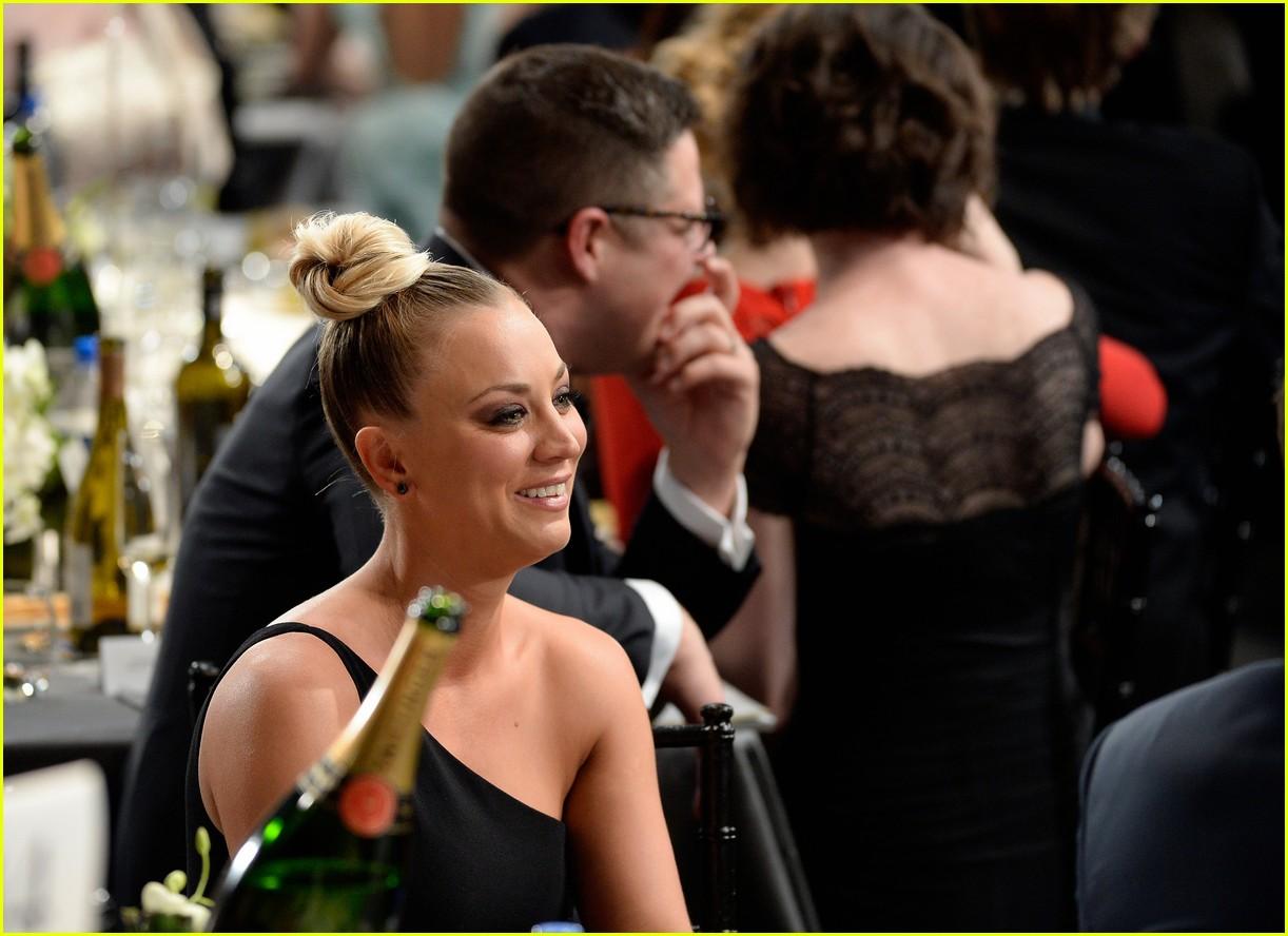 Kaley Cuoco Jim Parsons Big Bang Theory Cast Arrive At Sag