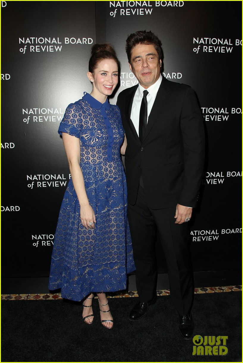 emily blunt puts the spotlight on sicario at nbr awards gala 223544054