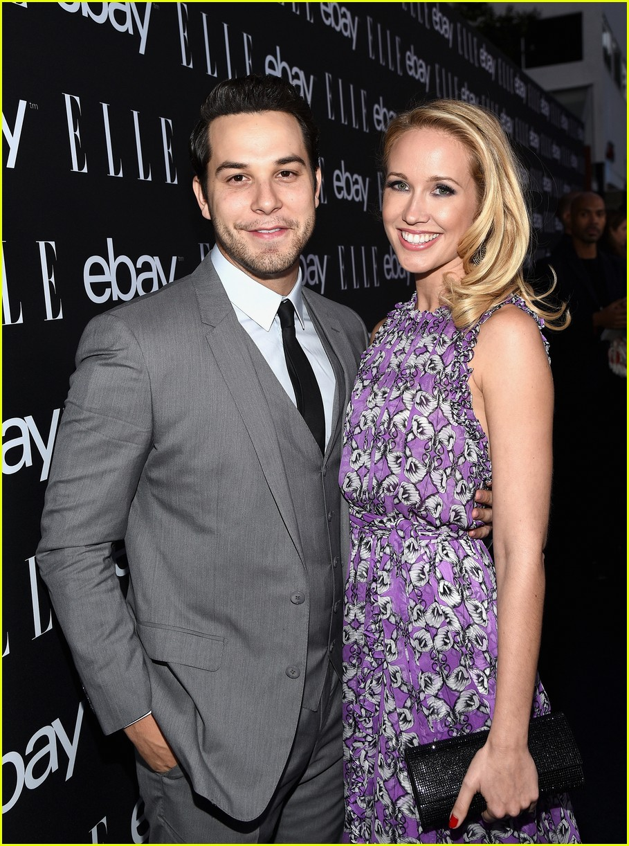 Pitch Perfect s Skylar Astin & Anna Camp Are Married