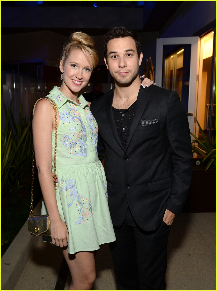 Pitch perfect co stars dating