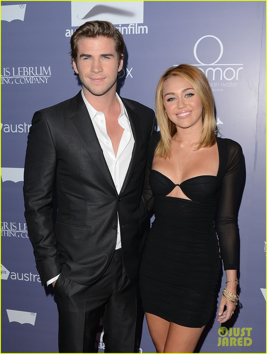 miley cyrus liam hemsworth are engaged again 203565310