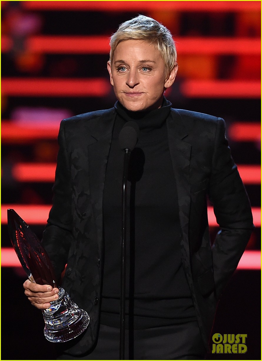 ellen degeneres peoples choice awards 2016 193545123