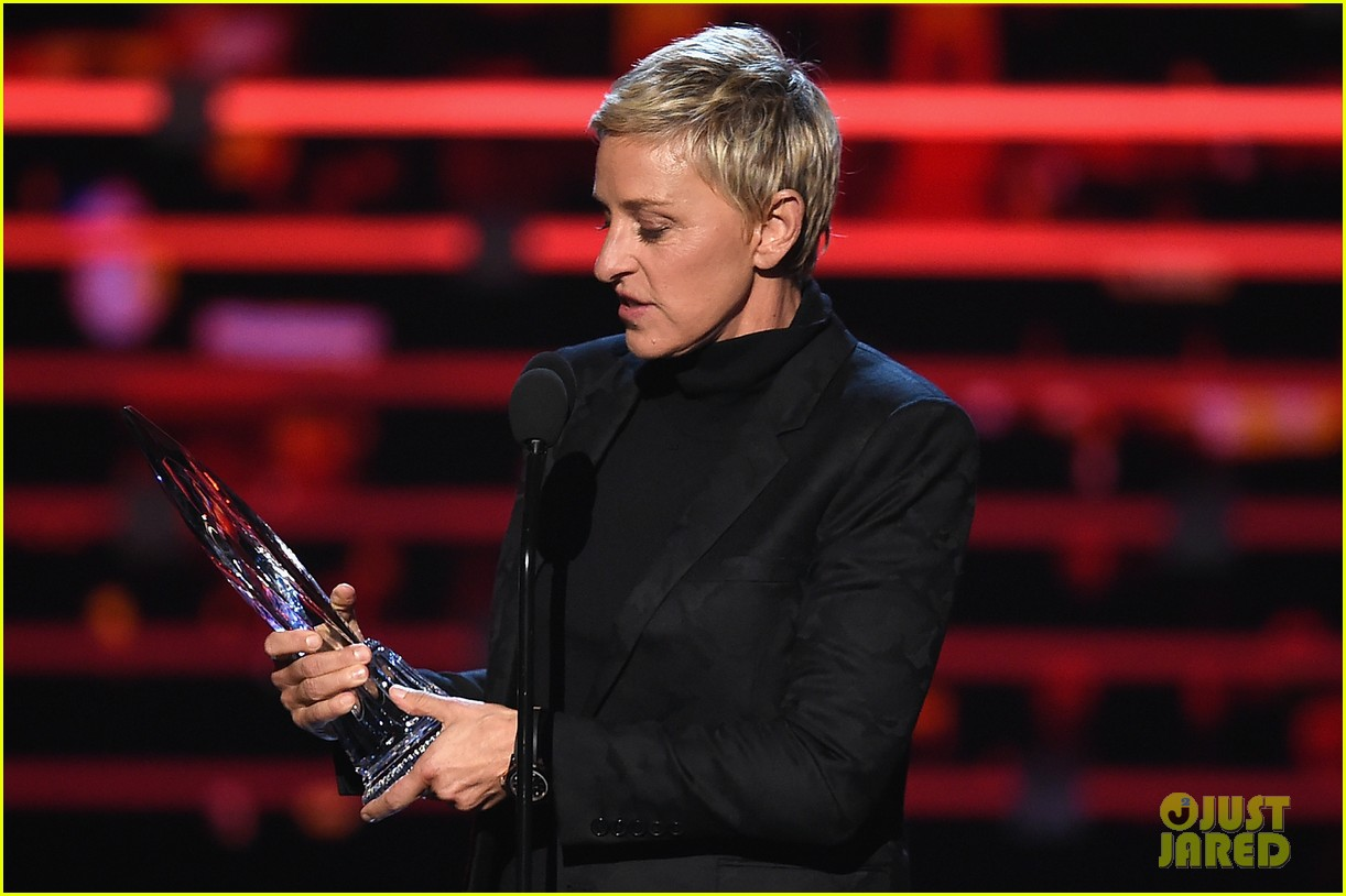 ellen degeneres peoples choice awards 2016 223545126