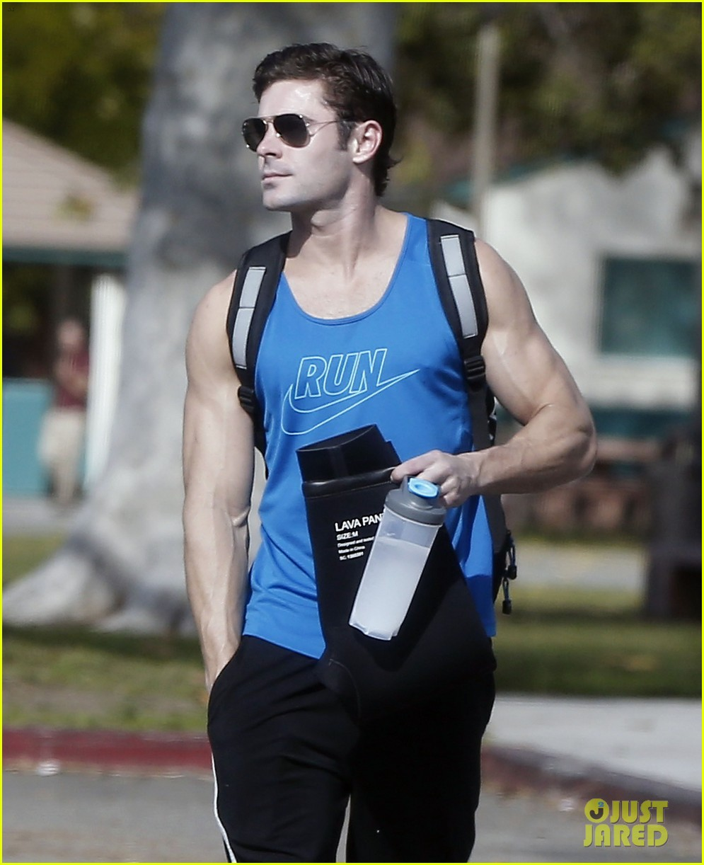zac efron goes shirtless for baywatch swimming lessons 383557875