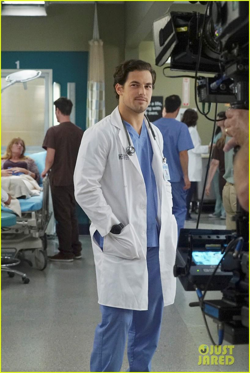 Giacomo Gianniotti Promoted To Greys Anatomy Series Regular