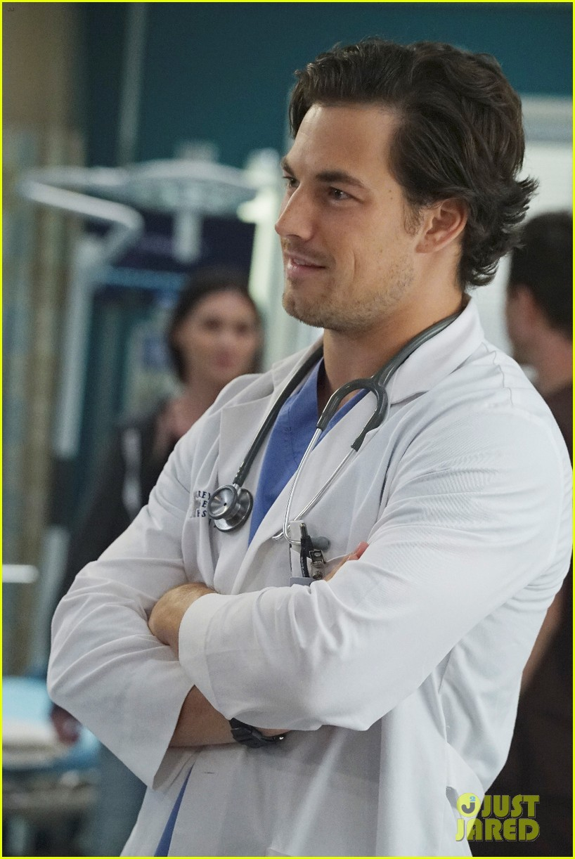 Giacomo Gianniotti Promoted to \'Grey\'s Anatomy\' Series Regular ...
