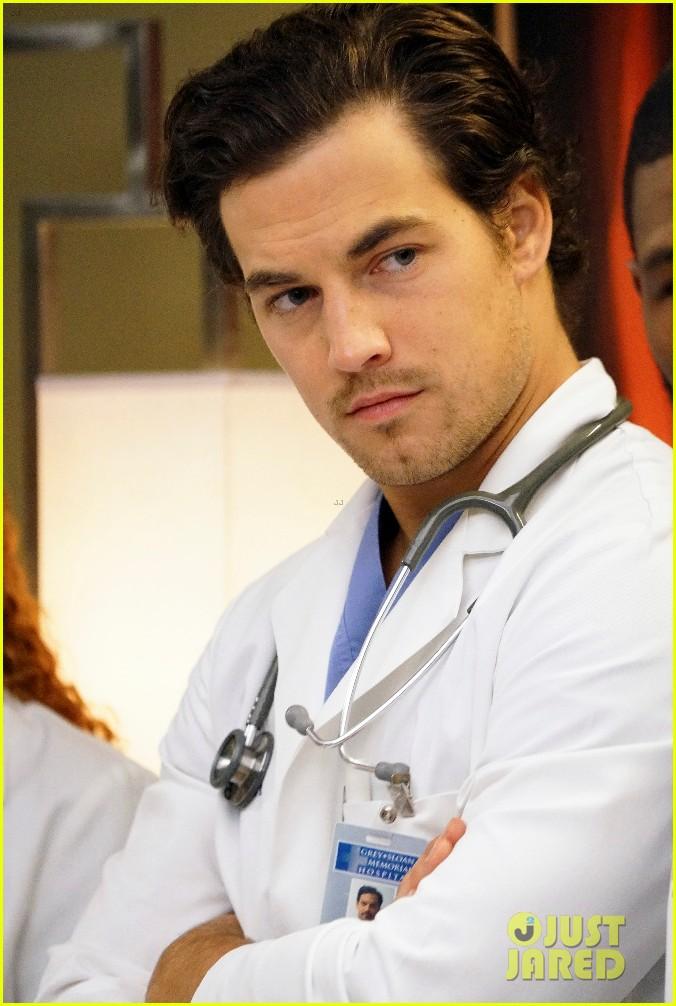 Giacomo Gianniotti Promoted to \'Grey\'s Anatomy\' Series Regular ...