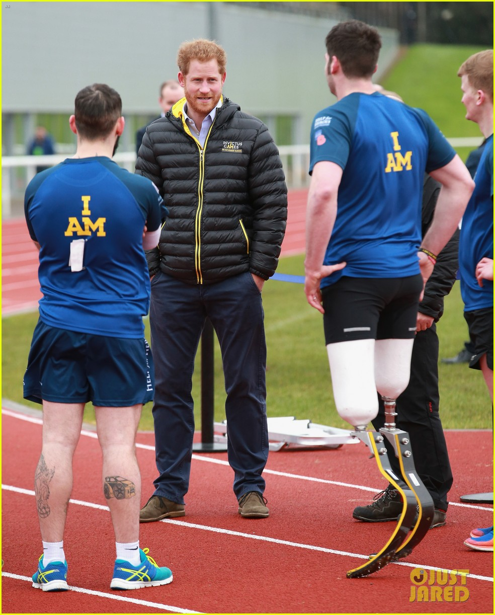 Prince Harry Cheers On Invictus Games Competitors At