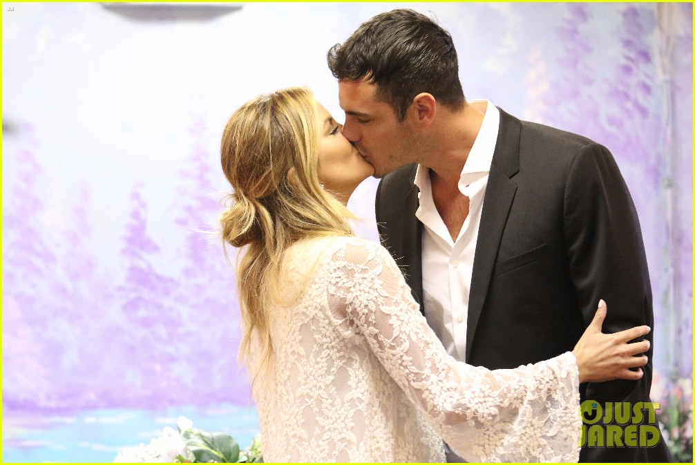 the bachelors becca tries on wedding dress with ben higgins 023559915