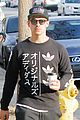 joe jonas hangs out with friends at sweet butter 02