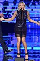 kaley cuoco big bang 2016 peoples choice awards 21