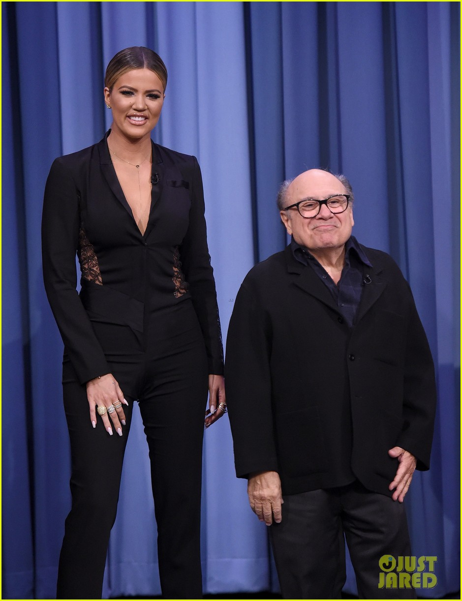 khloe kardashian plays charades with norman reedus danny devito 023552280