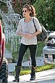 kate beckinsale goes ringless for trip to salon 01