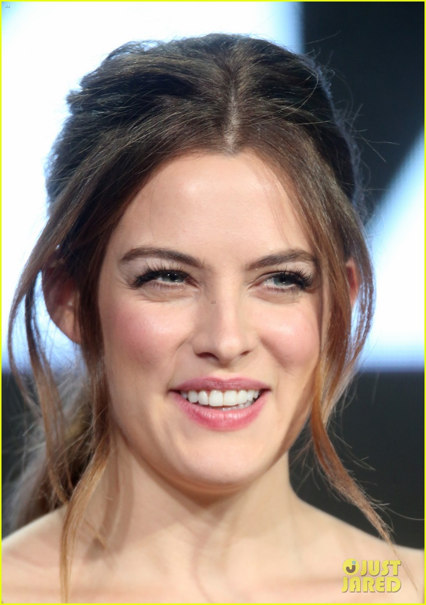 riley keough ben smith petersen starz party 023547313