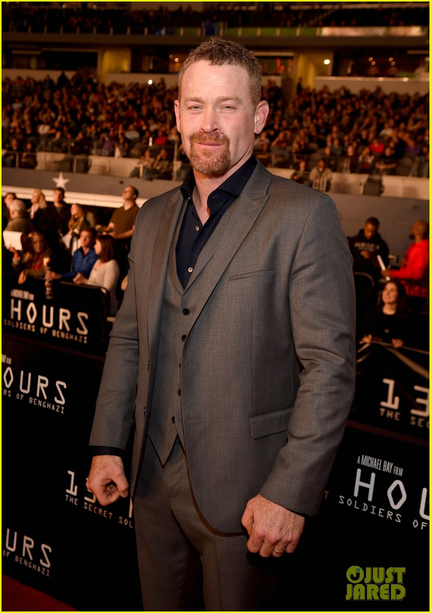 emily blunt supports john krasinski at 13 hours dallas premiere 053551510
