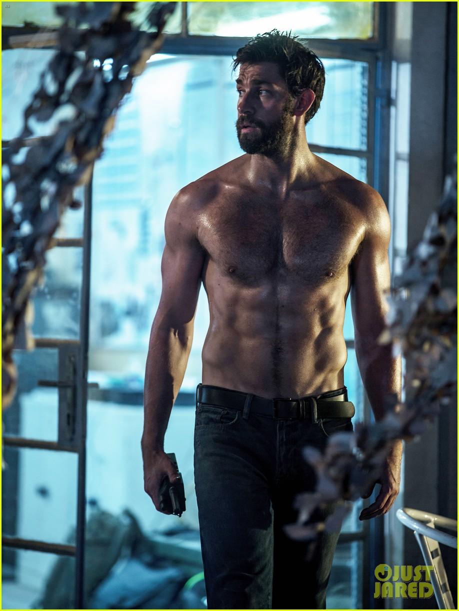 john kransinski goes shirtless in new 13 hours photo 033553121