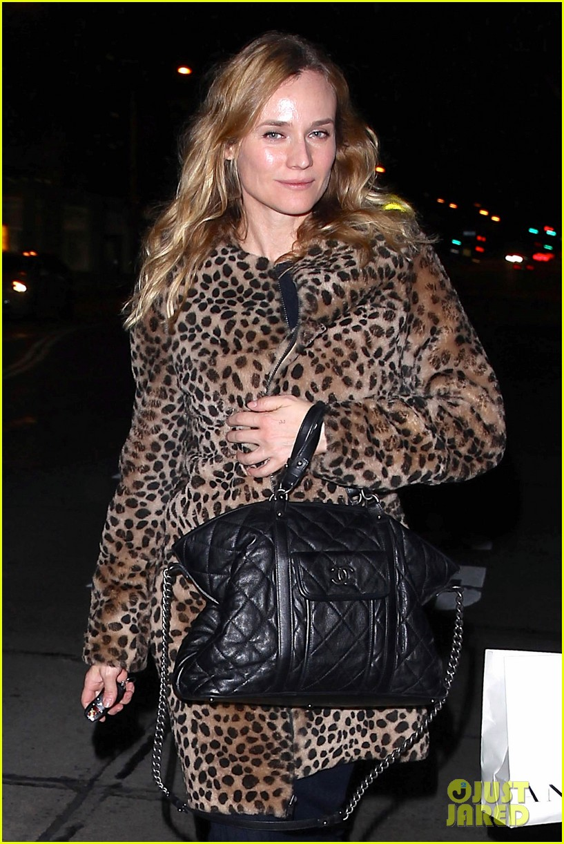 diane kruger is goes barefaced for dinner with pals 073545377