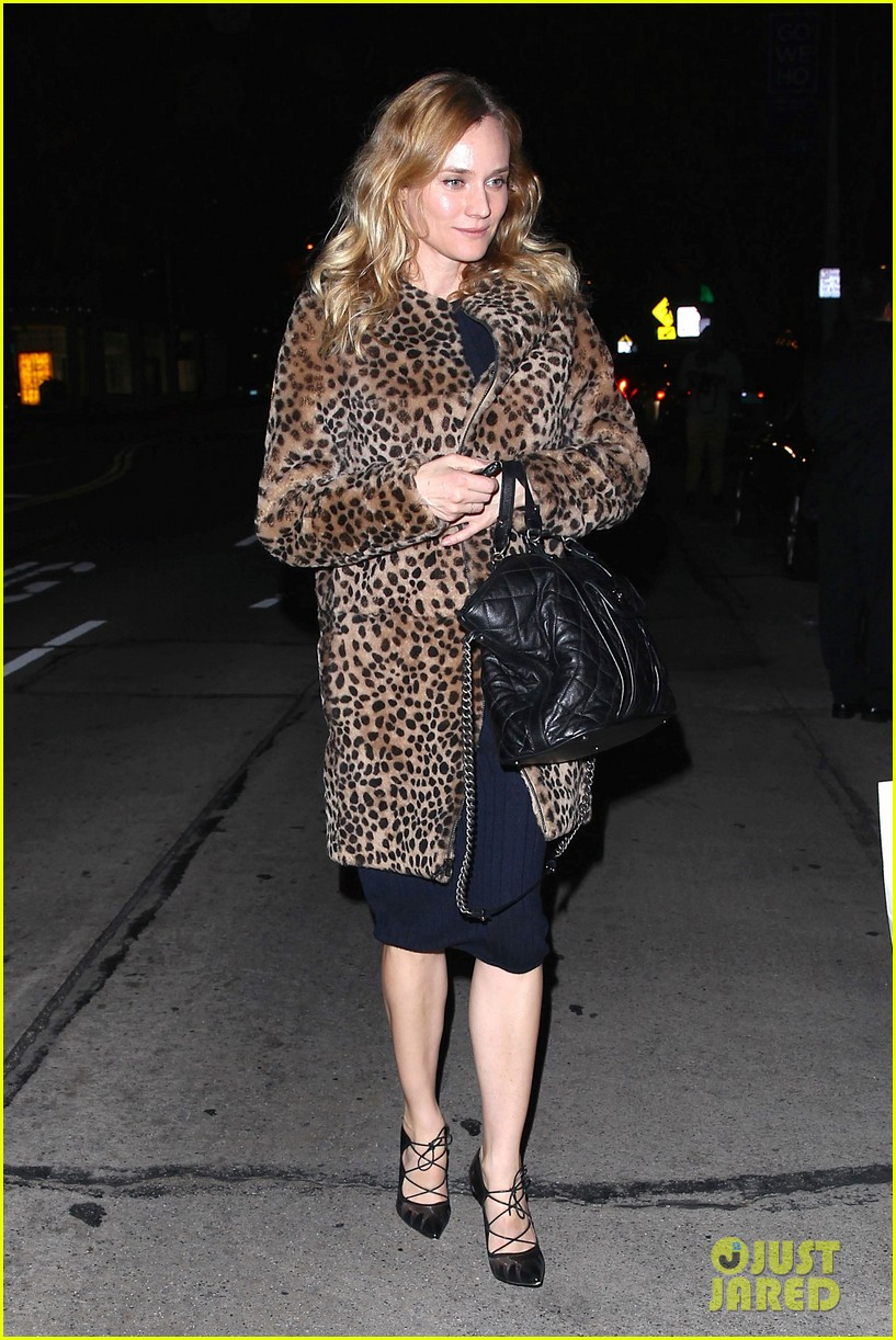 diane kruger is goes barefaced for dinner with pals 093545379