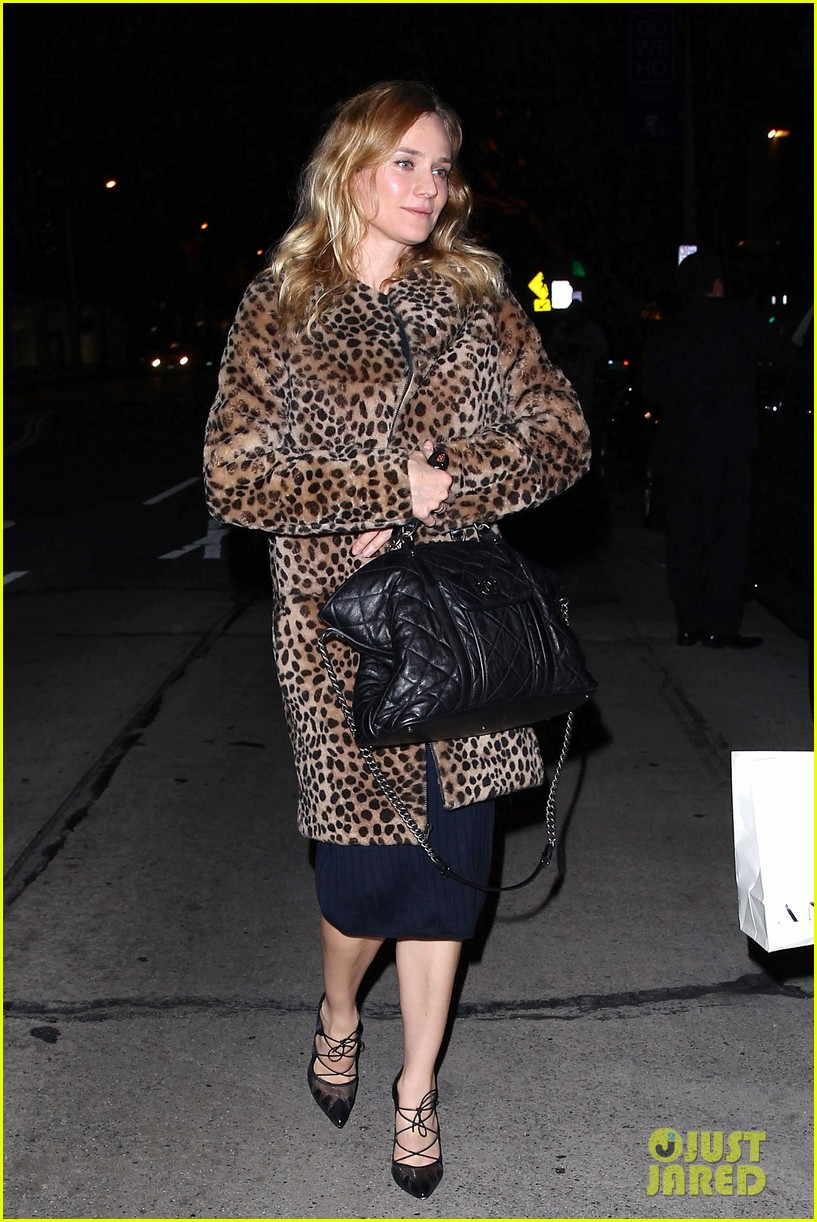 diane kruger is goes barefaced for dinner with pals 123545382