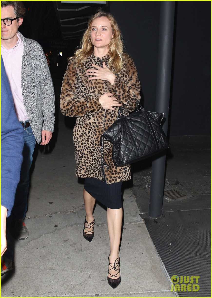 diane kruger is goes barefaced for dinner with pals 163545386