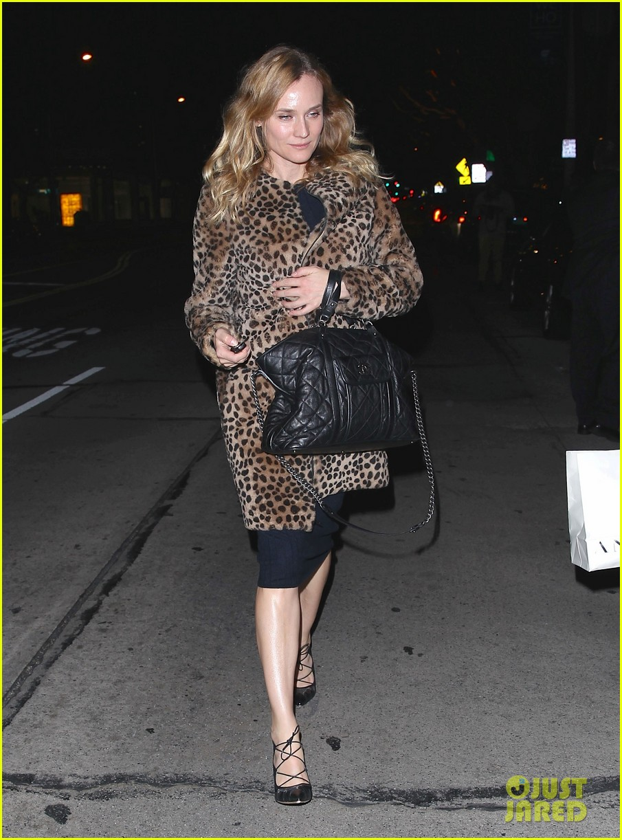 diane kruger is goes barefaced for dinner with pals 203545390