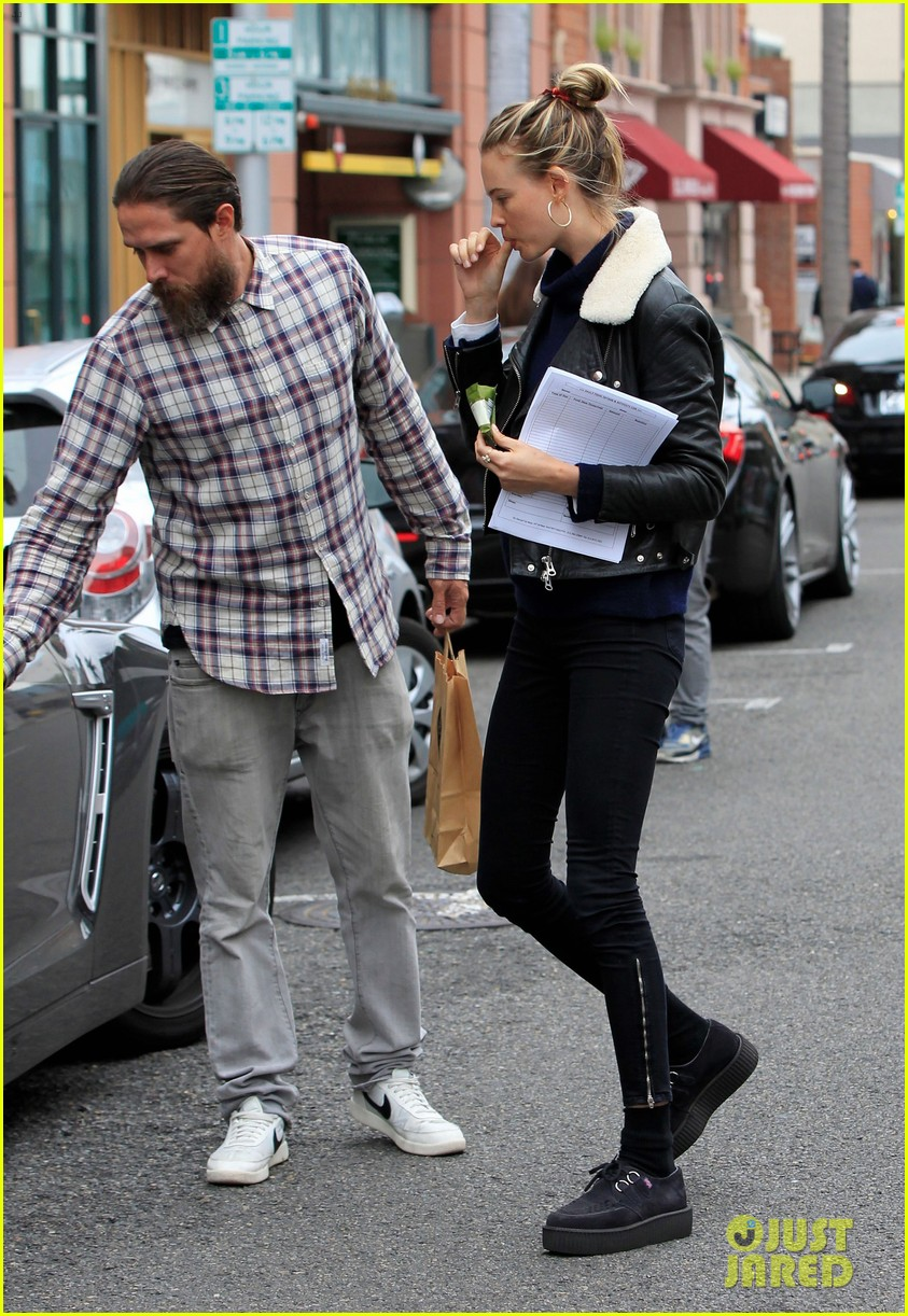 adam levine films broad city with behati prinsloo by his side 133557614