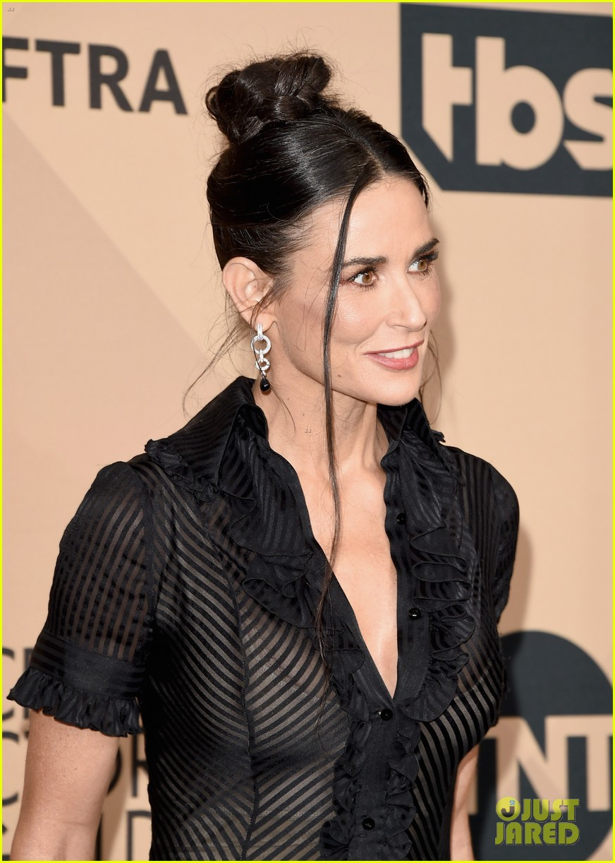 Demi Moore Wears A Totally Sheer Dress To Sag Awards 2016