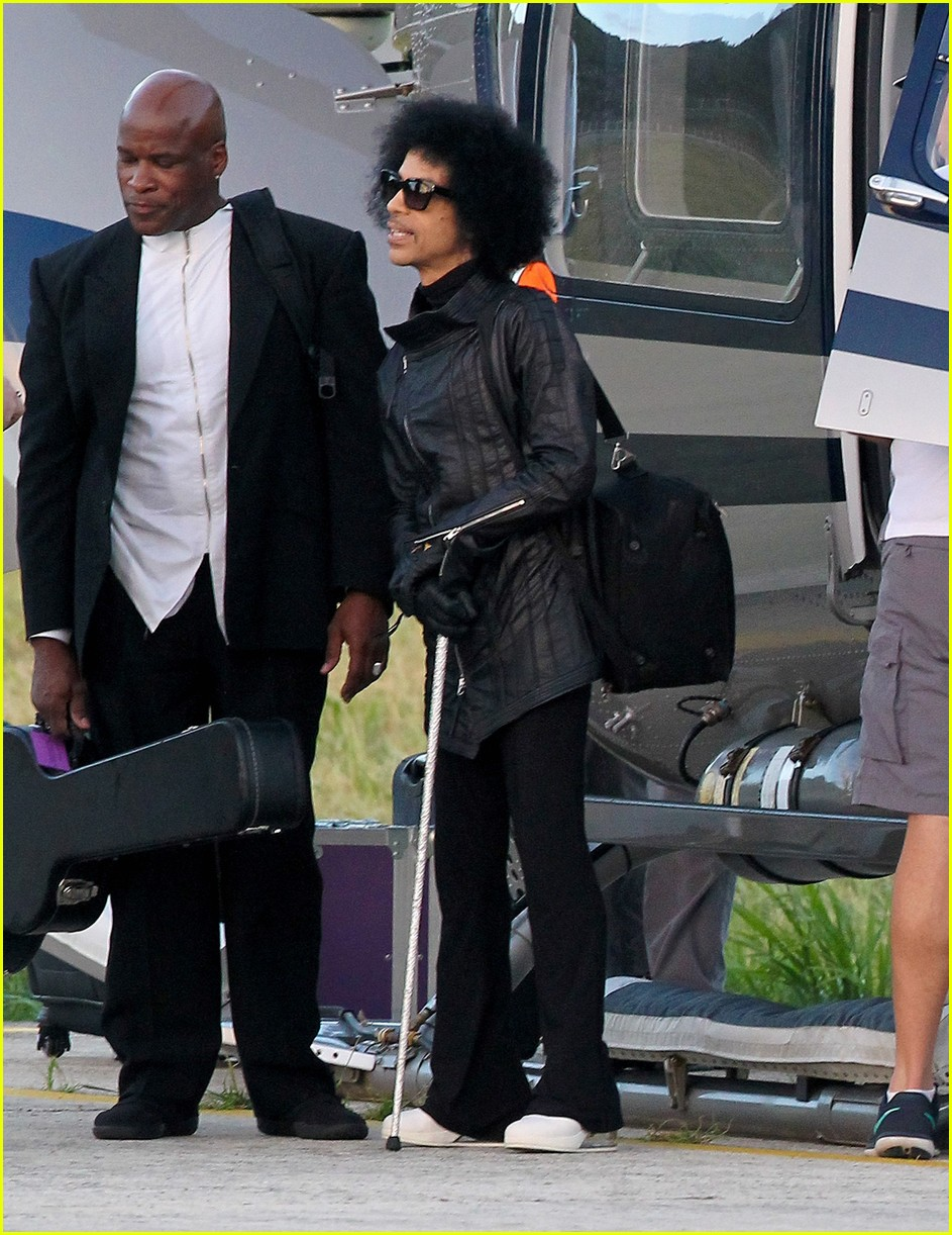 prince-rings-in-the-new-year-in-st-barts-24.jpg