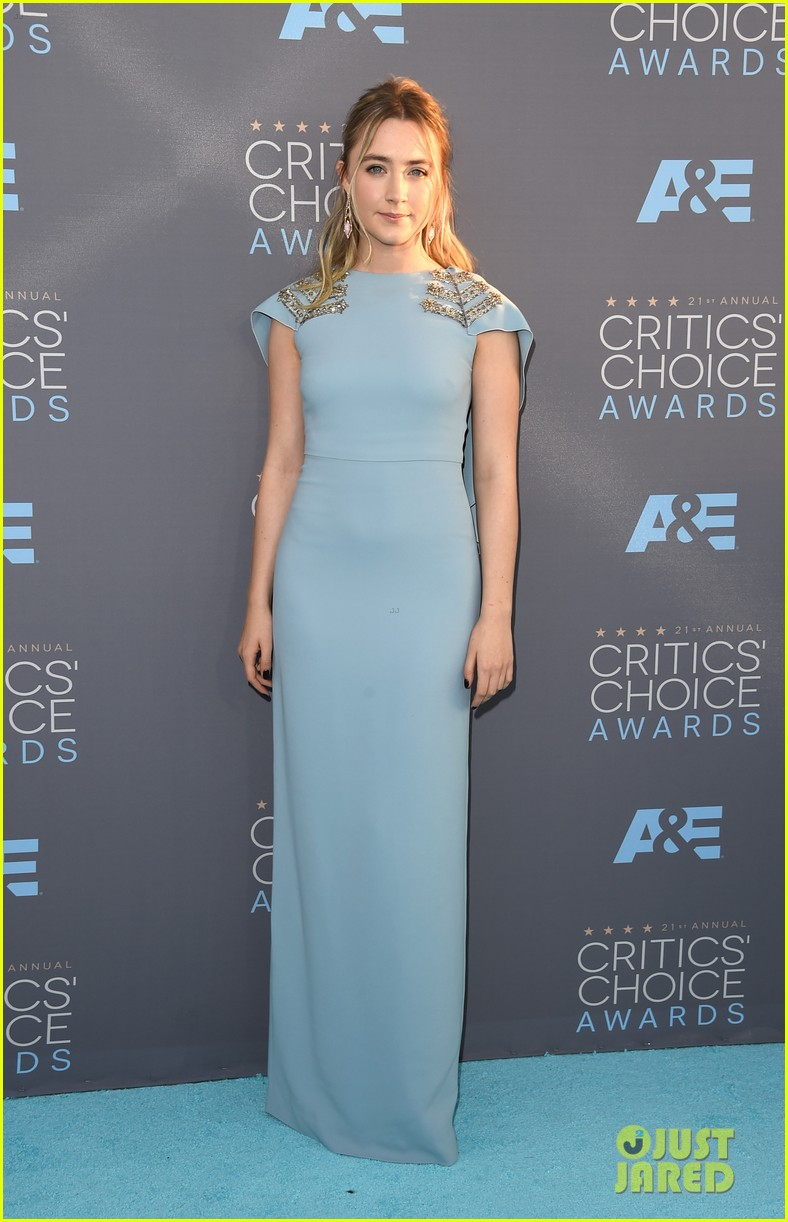 saoirse ronan rj cyler 2016 critics choice awards 013554791