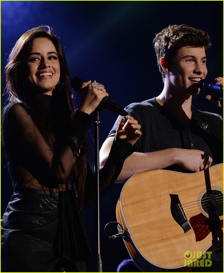 Shawn Mendes & Camila Cabello Perform on NYE 2016 (Video