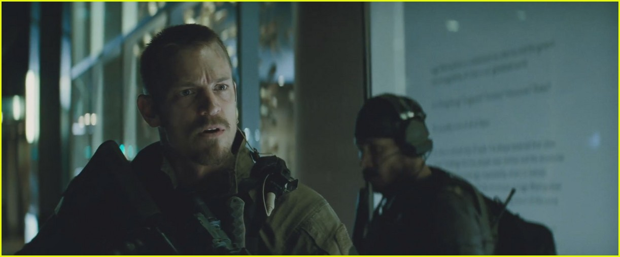 suicide squad official trailer debuts online 263555918