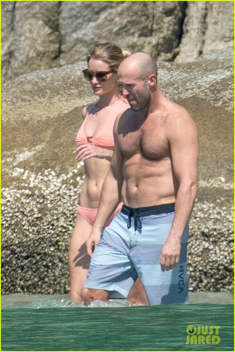 jason statham rosie huntington whiteley flaunt perfect beach bodies 043541950
