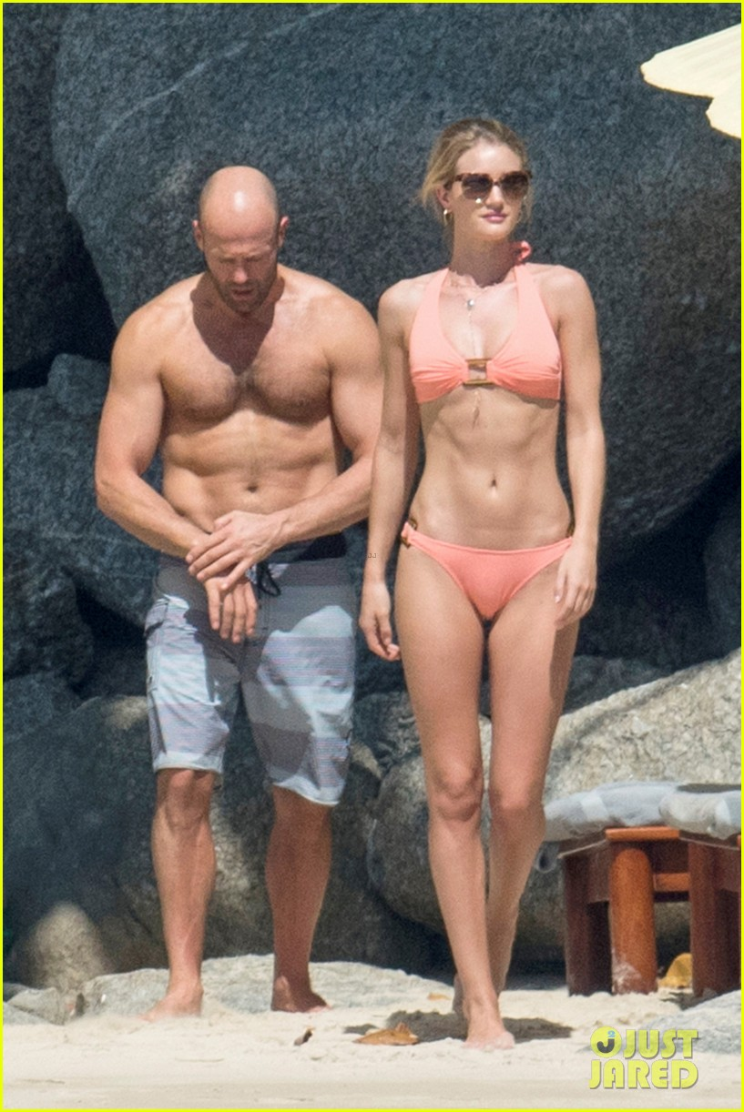 jason statham rosie huntington whiteley flaunt perfect beach bodies 113541957