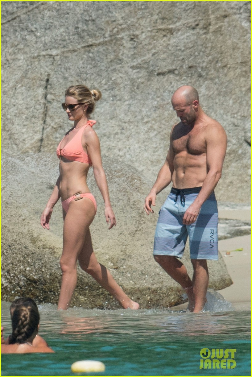 jason statham rosie huntington whiteley flaunt perfect beach bodies 143541960