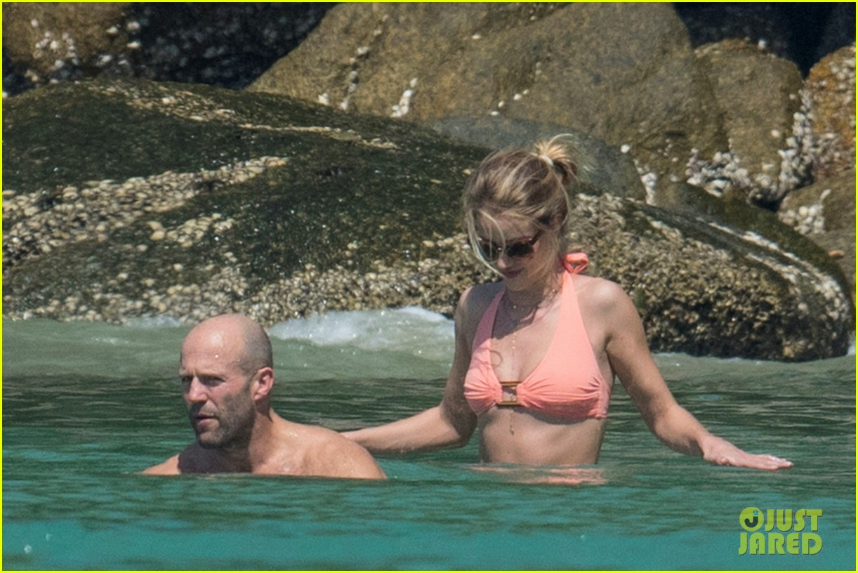 jason statham rosie huntington whiteley flaunt perfect beach bodies 153541961