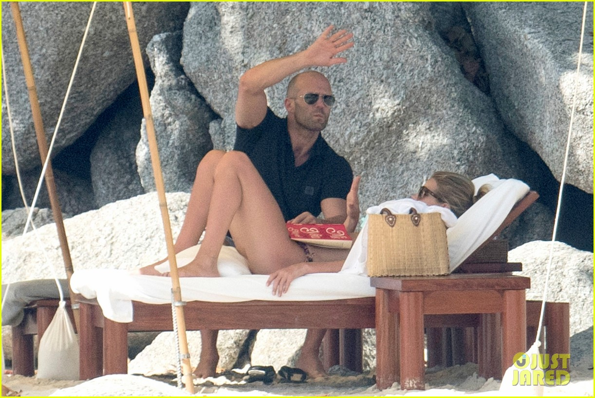 jason statham rosie huntington whiteley flaunt perfect beach bodies 233541969