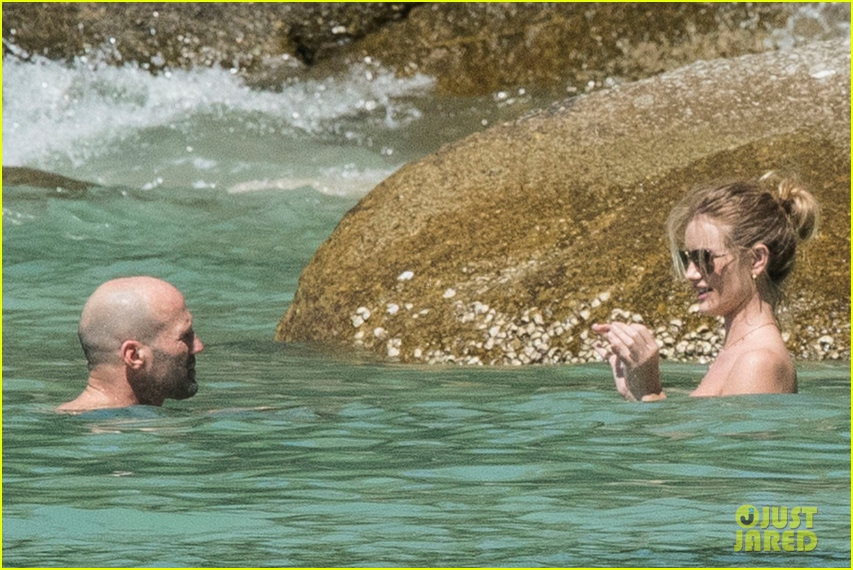 jason statham rosie huntington whiteley flaunt perfect beach bodies 283541974