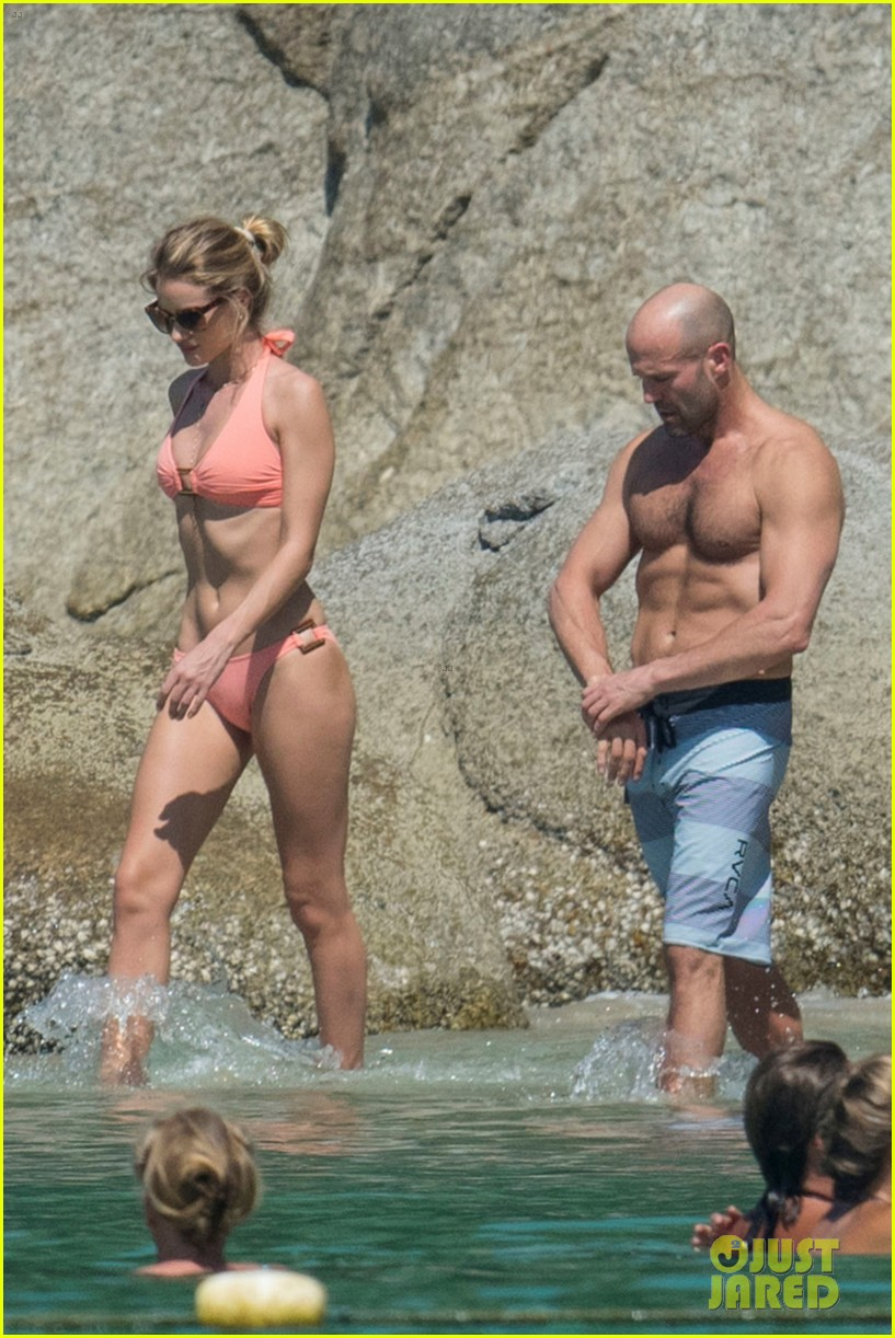 jason statham rosie huntington whiteley flaunt perfect beach bodies 323541978