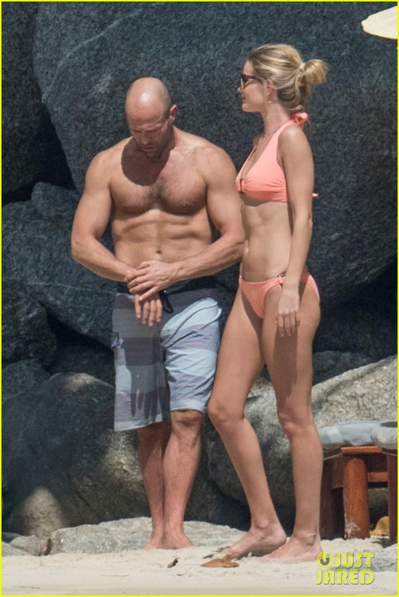 jason statham rosie huntington whiteley flaunt perfect beach bodies 333541979
