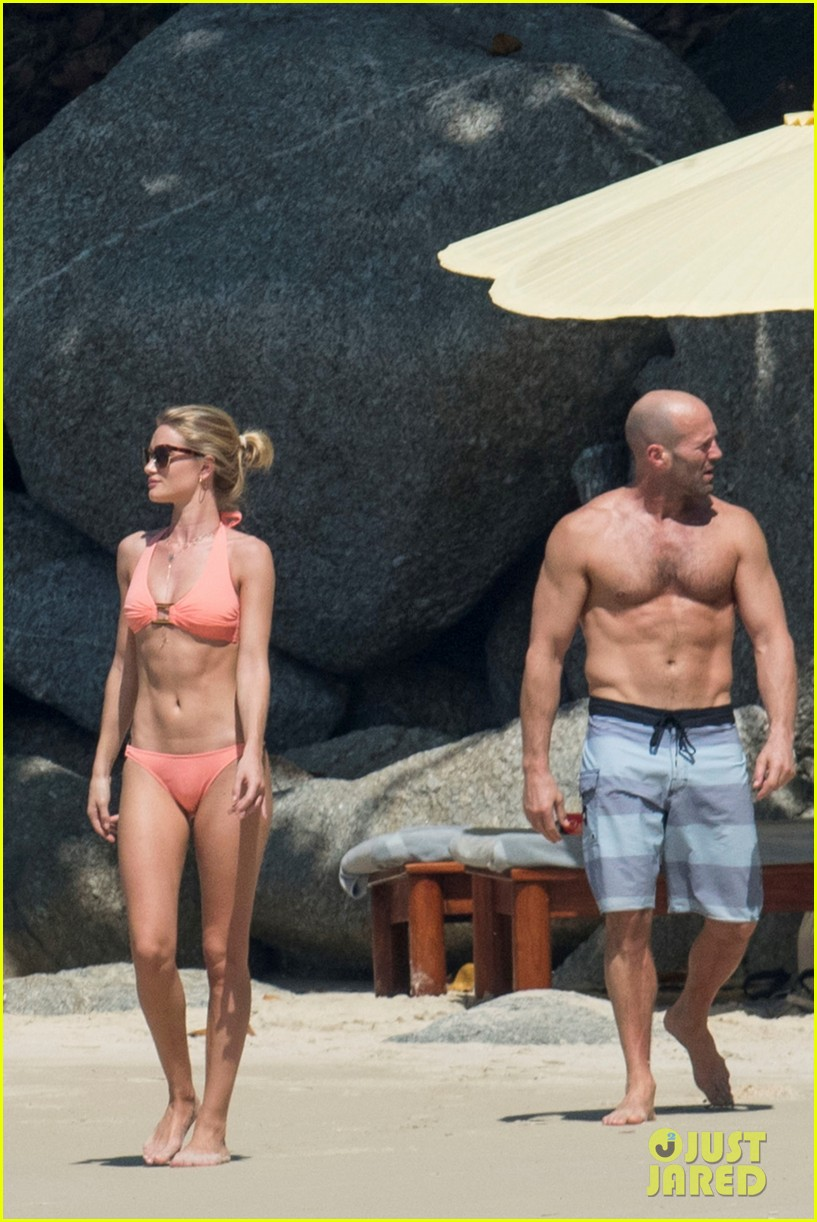 jason statham rosie huntington whiteley flaunt perfect beach bodies 363541982