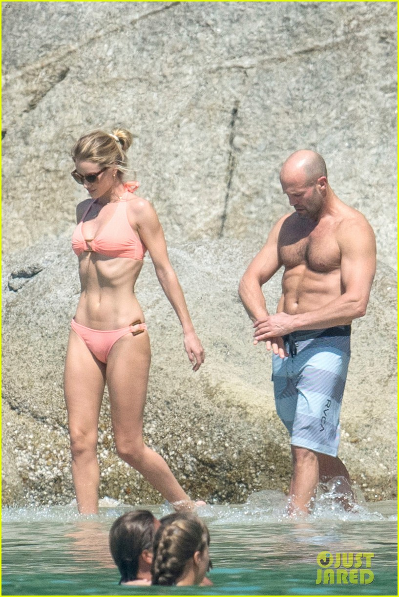 jason statham rosie huntington whiteley flaunt perfect beach bodies 443541990