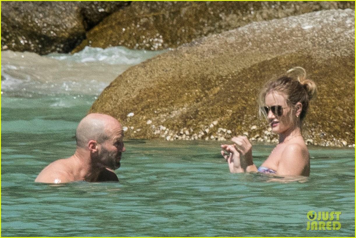 jason statham rosie huntington whiteley flaunt perfect beach bodies 463541992