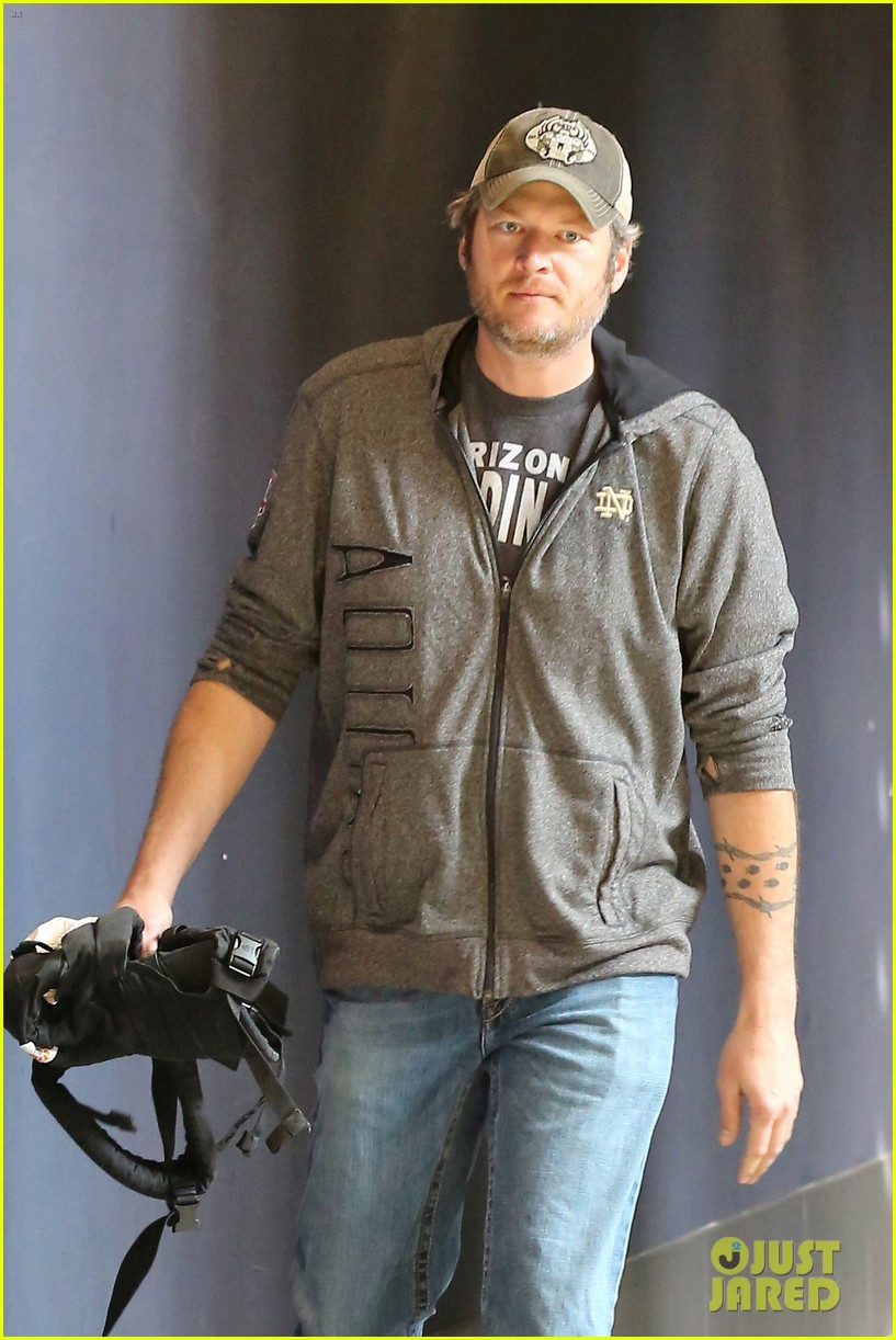 gwen stefani and blake shelton have a date with her kids 063553734