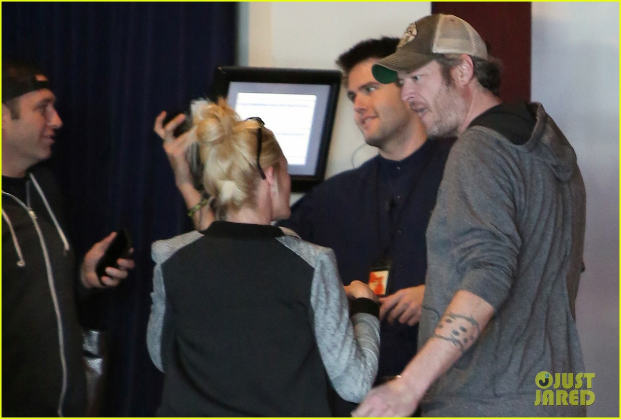 gwen stefani and blake shelton have a date with her kids 323553760
